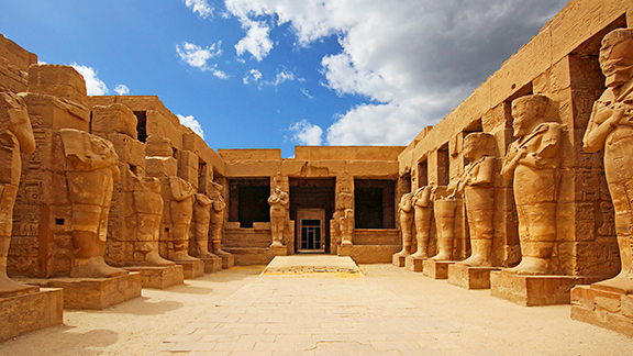 Por éxito, segunda salida Egipto, Dubái